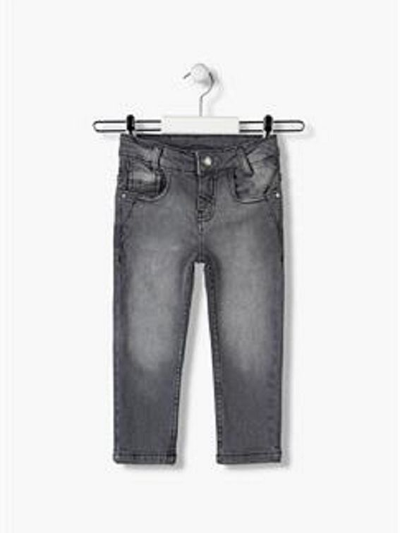 Pantalón chico, vaquero gris oscuro pitillo